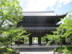 Largest temple gates in Japan