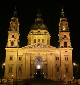 St. Stehpen's at night